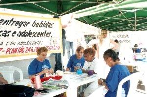 O bordado é uma das atividades oferecidas no NUTI.